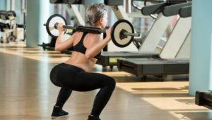 Esercizi glutei: lo squat